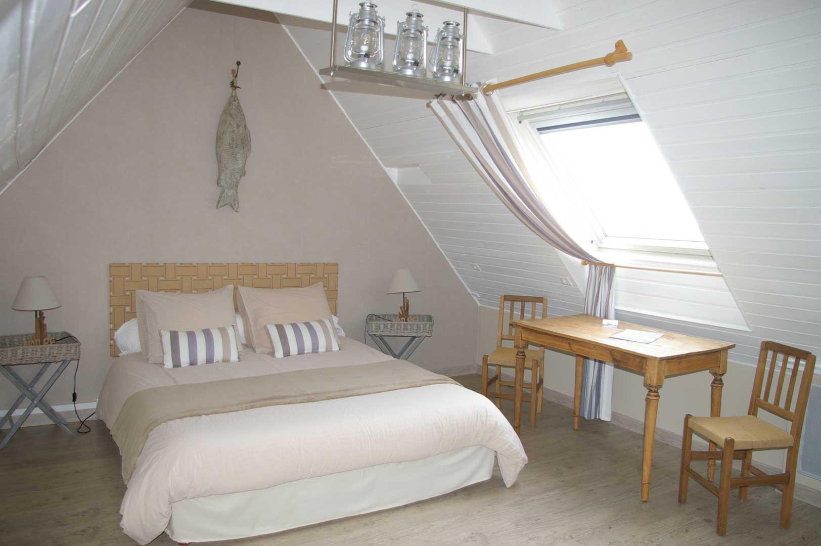 chambre d 39 h tes jusqu 39 5 personnes le colombier bretagne cote de granit rose perros guirec. Black Bedroom Furniture Sets. Home Design Ideas